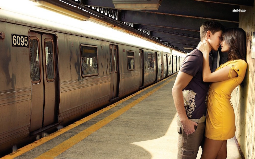 15789-couple-saying-goodbye-in-the-train-station-1280x800-photography-wallpaper