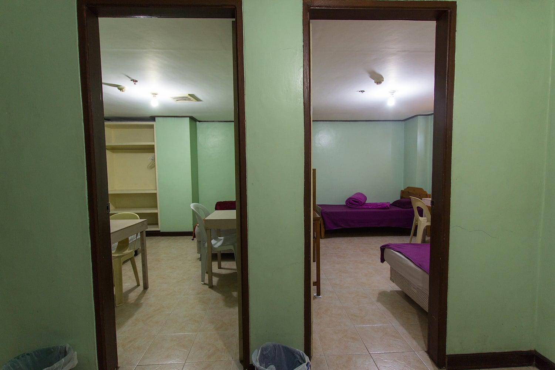 HELPマーティンス校の学生寮の部屋の入口