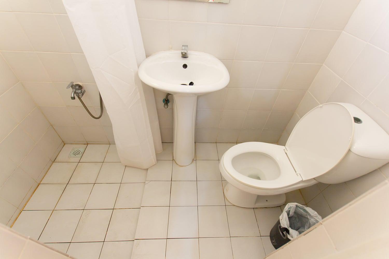 IDEA ACADEMIAの2人部屋のバスルーム