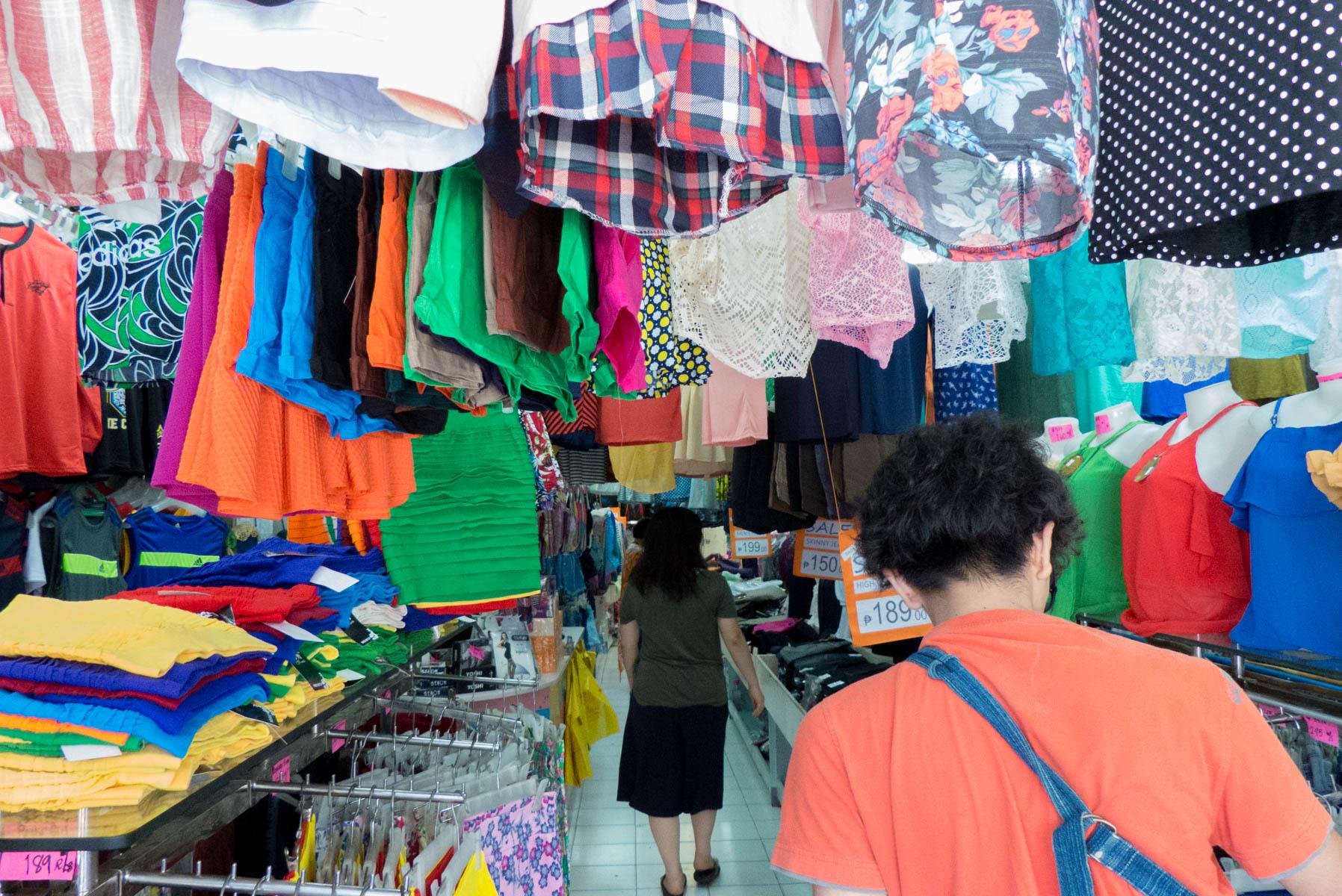 実際に『コロン通り』で買い物をしてみた!〜激安ファッション対決が始まる〜4