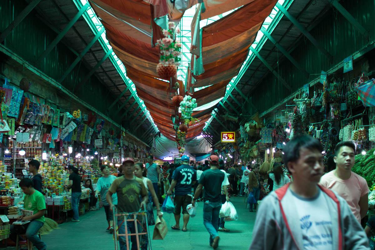 バギオシティマーケットの内部