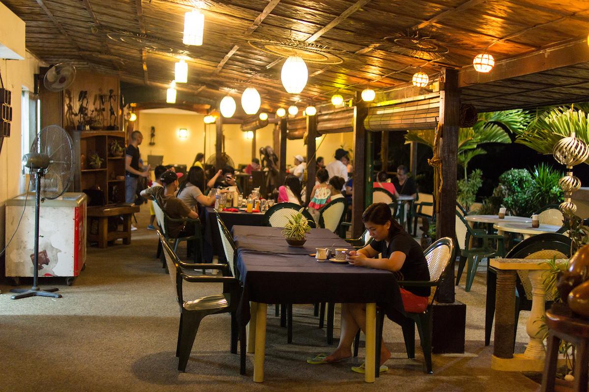 Sunset Bay Resortのレストラン・バー