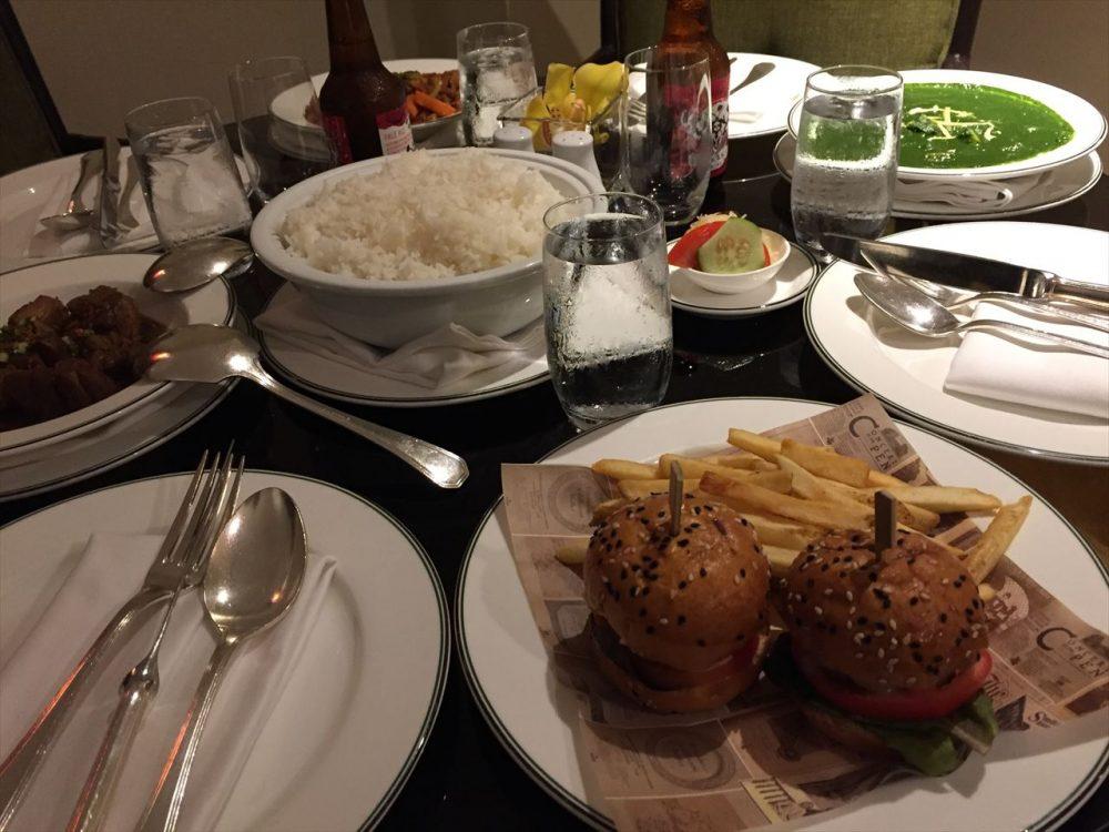 マニラのレストランの食事の写真