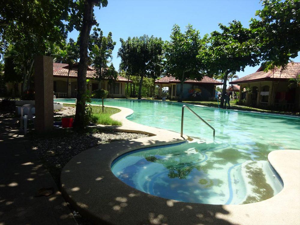 セブ島語学学校ELSAのプール